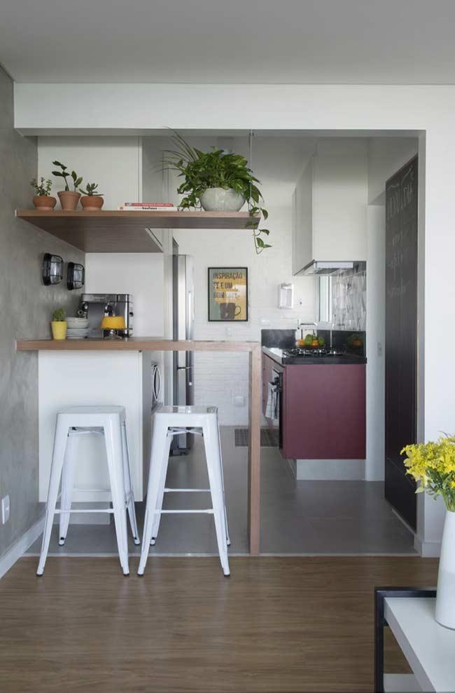 Separação entre sala e cozinha: cada um no seu quadrado