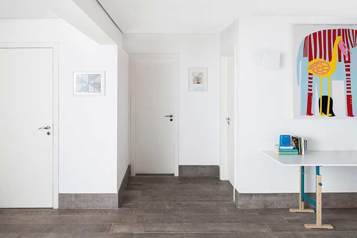 Rodapé e piso com o mesmo acabamento