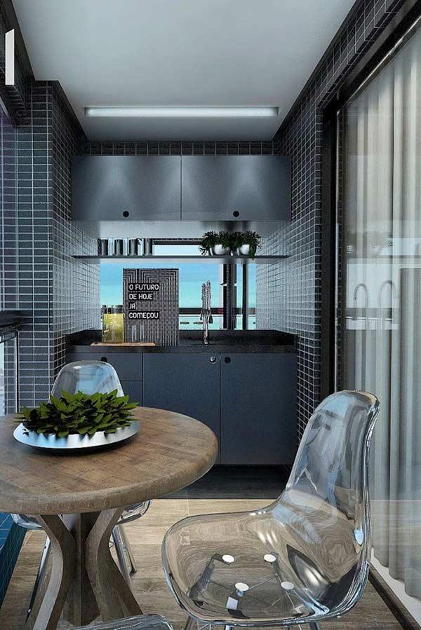 Outra opção é fazer uma pequena sala de jantar na varanda pequena