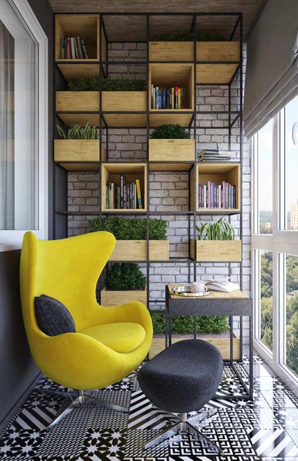 Estante na varanda pequena fechada: espaço para armazenar objetos e livros