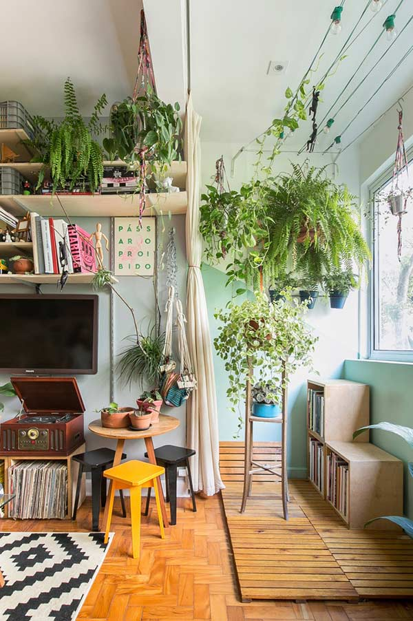 Remover a porta: uma opção para ganhar um espaço extra na varanda pequena