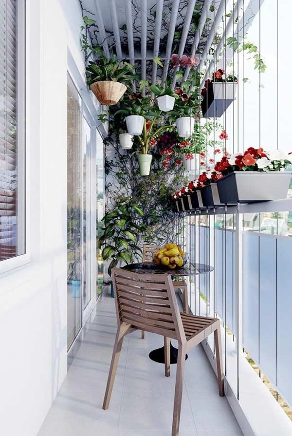 Varanda pequena com plantas: um pouco de personalidade para o ambiente
