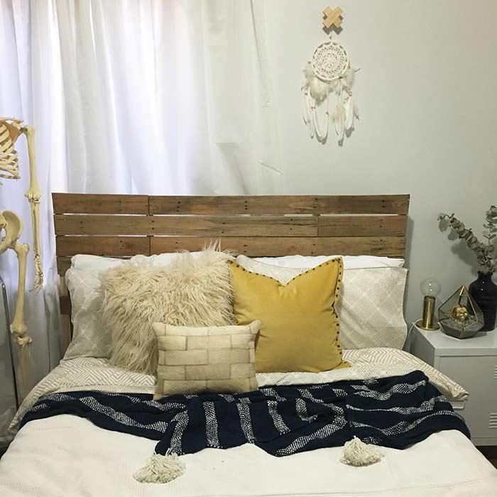 Cabeceira de pallet simples para quarto de casal