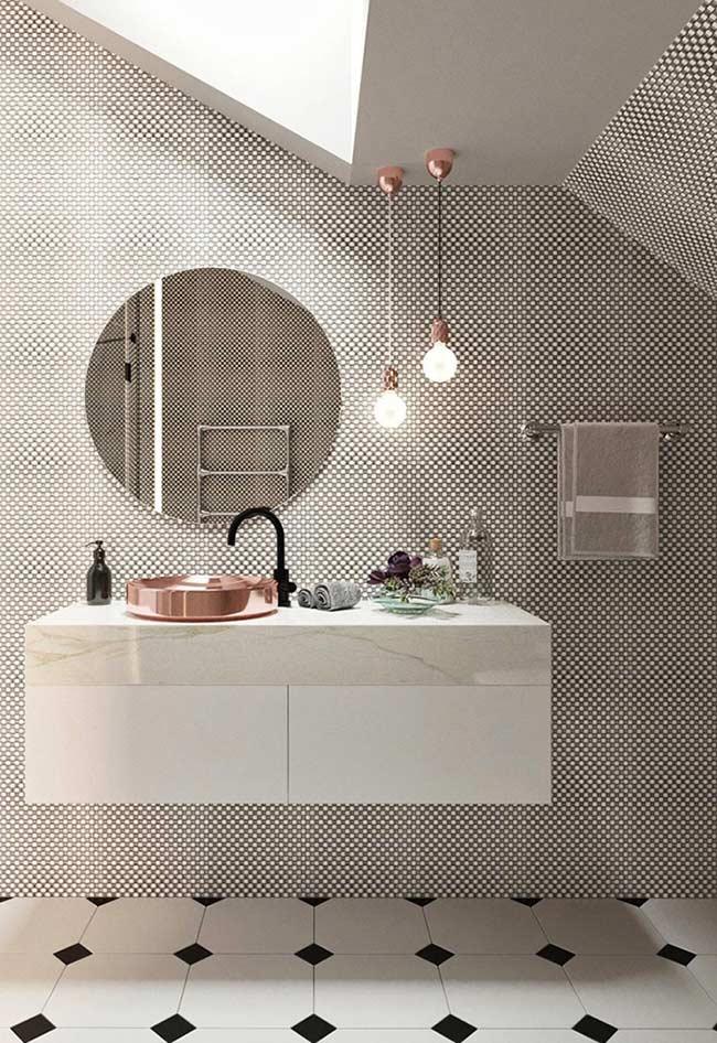 Banheiro com azulejo branco