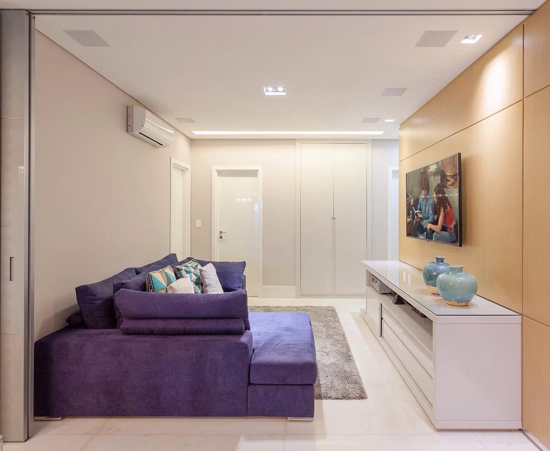 Sofá com chaise para uma sala mais confortável