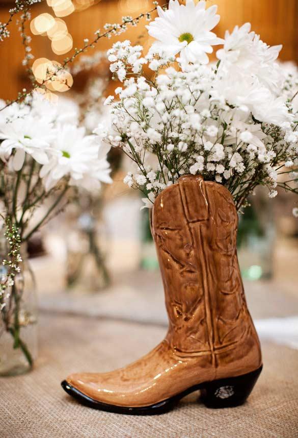 Vaso alternativo: bota de cerâmica