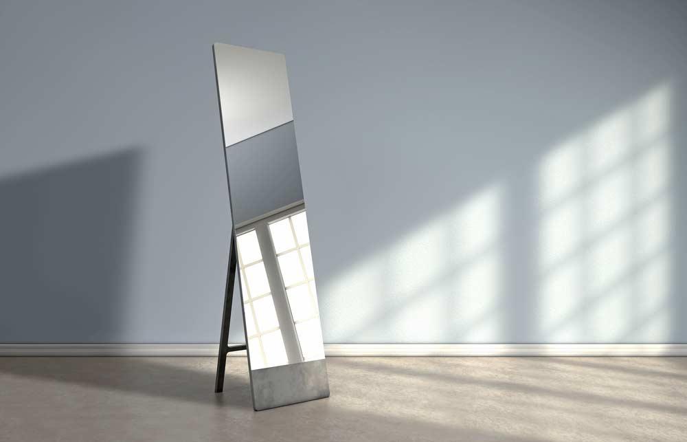 Como limpar espelhos: passo a passo para uma limpeza eficiente