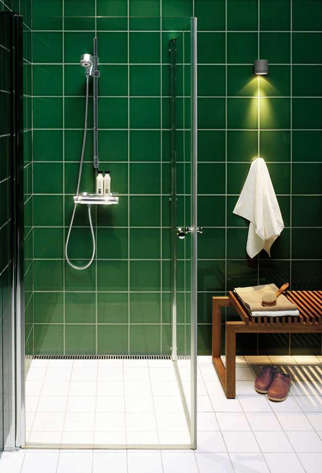Banheiro verde madeira