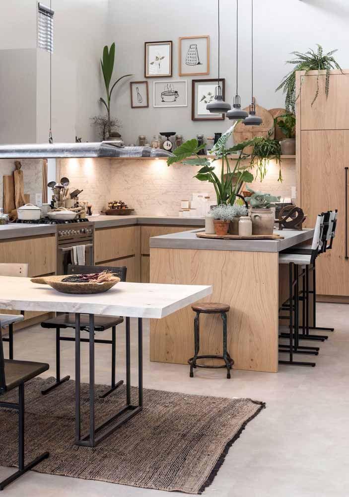 Cinza, madeira e verde nesse projeto de cozinha