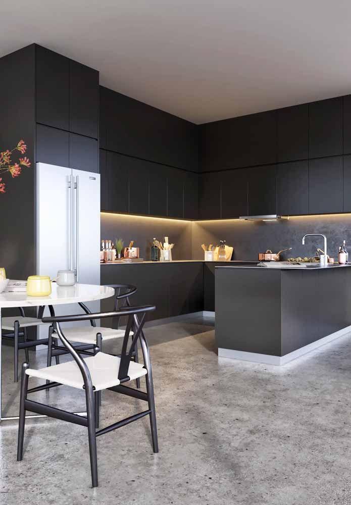 Cozinha moderna americana planejada preta