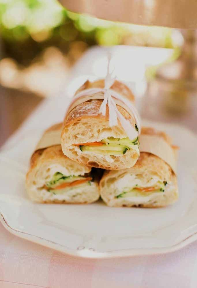 O que acha de servir o sanduíche de uma forma diferente?