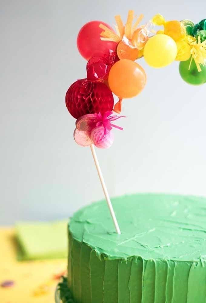 Um pequeno detalhe pode transformar um bolo simples em algo incrível