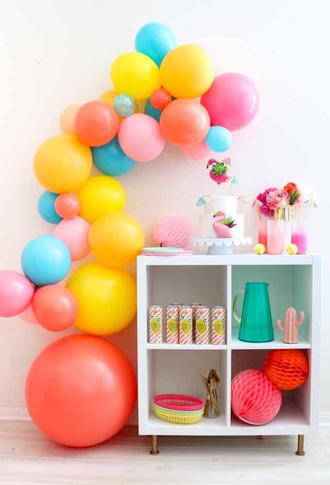 É impressionante como os balões desconstruídos destacam qualquer decoração