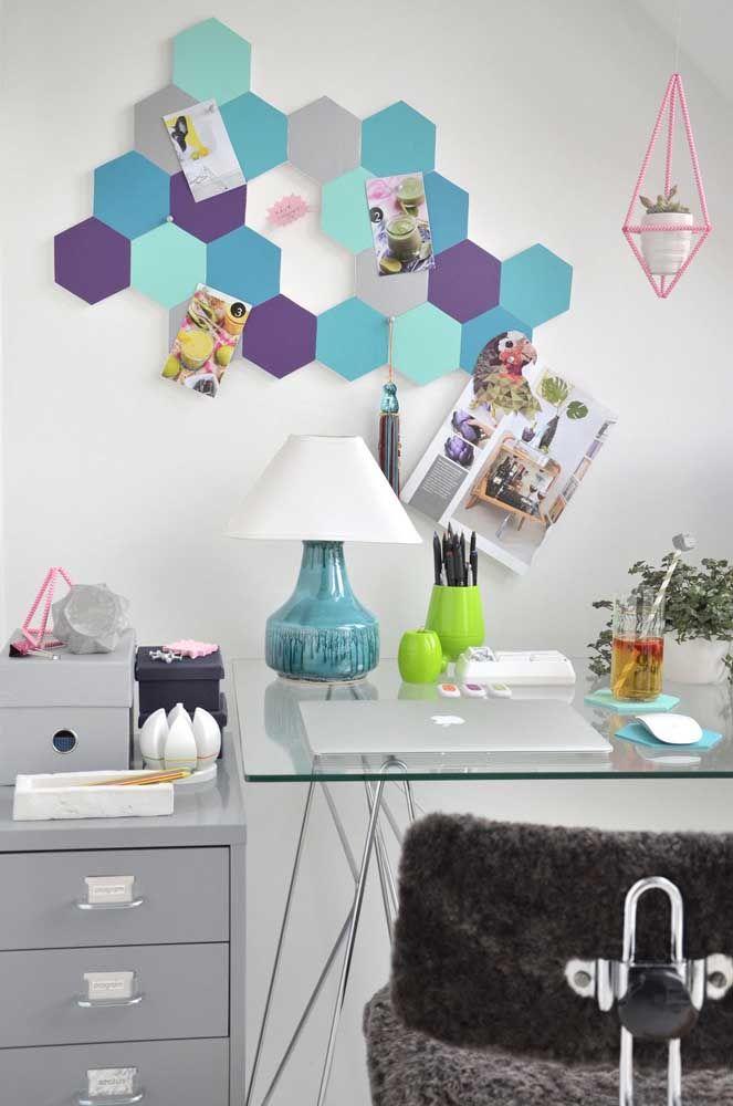 Painel moderno de parede feito com EVA: diga qual a sua ideia e o EVA realiza ela para você
