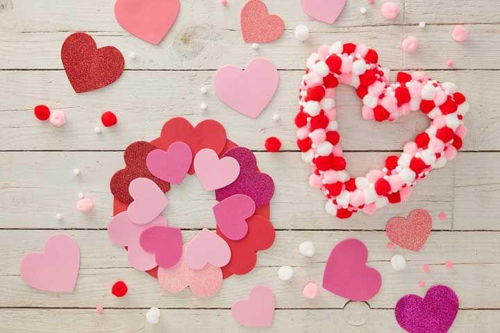 Artesanato romântico também tem vez com o EVA; que tal aproveitar a ideia para uma comemoração de dia dos namorados ou aniversário de casamento?