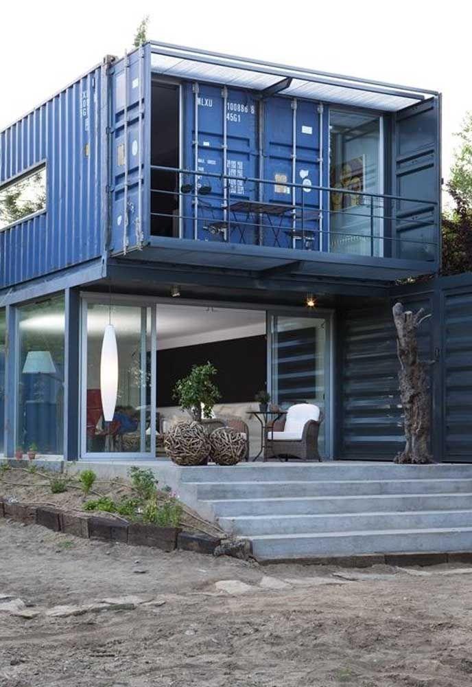 As casas feitas com container podem seguir um padrão de múltiplos pavimentos como este modelo.