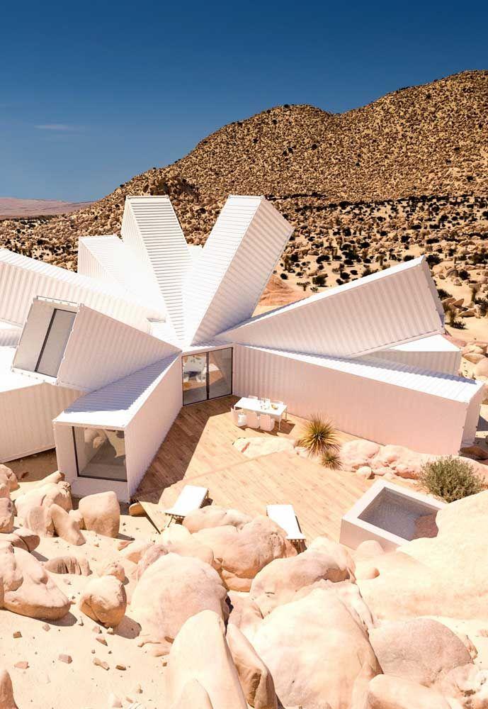 Para aqueles que gostam de design totalmente moderno, esse modelo de casa container acaba sendo surpreendente