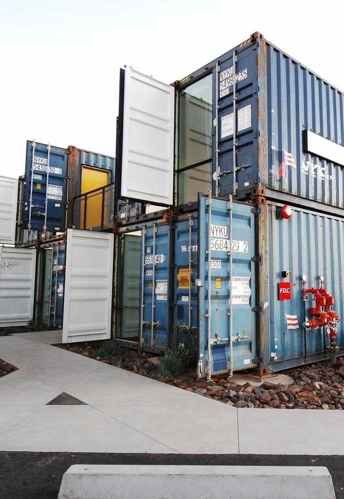 Para quem gosta é possível manter a estrutura padrão de um container.