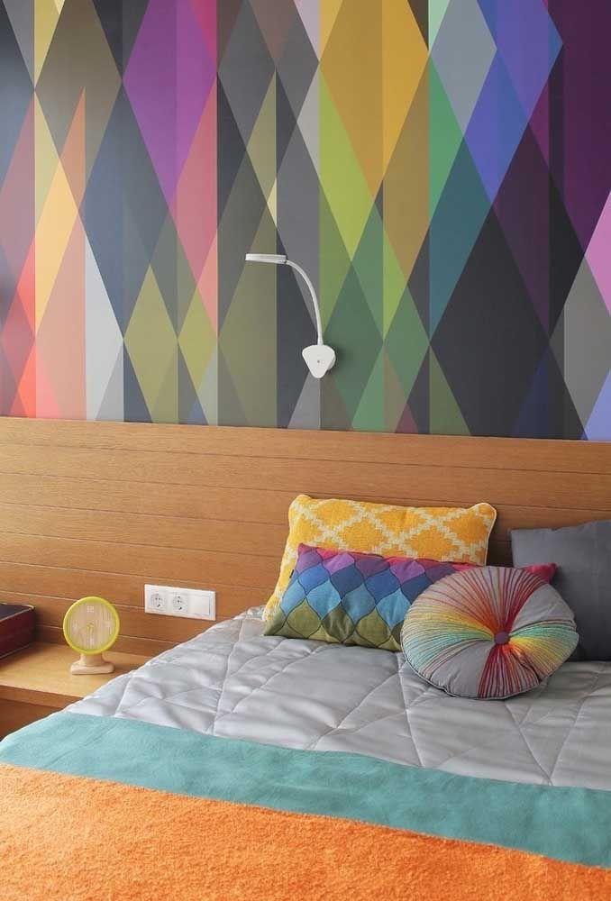 Já pensou em usar um papel de parede todo colorido? O detalhe pode fazer toda a diferença!
