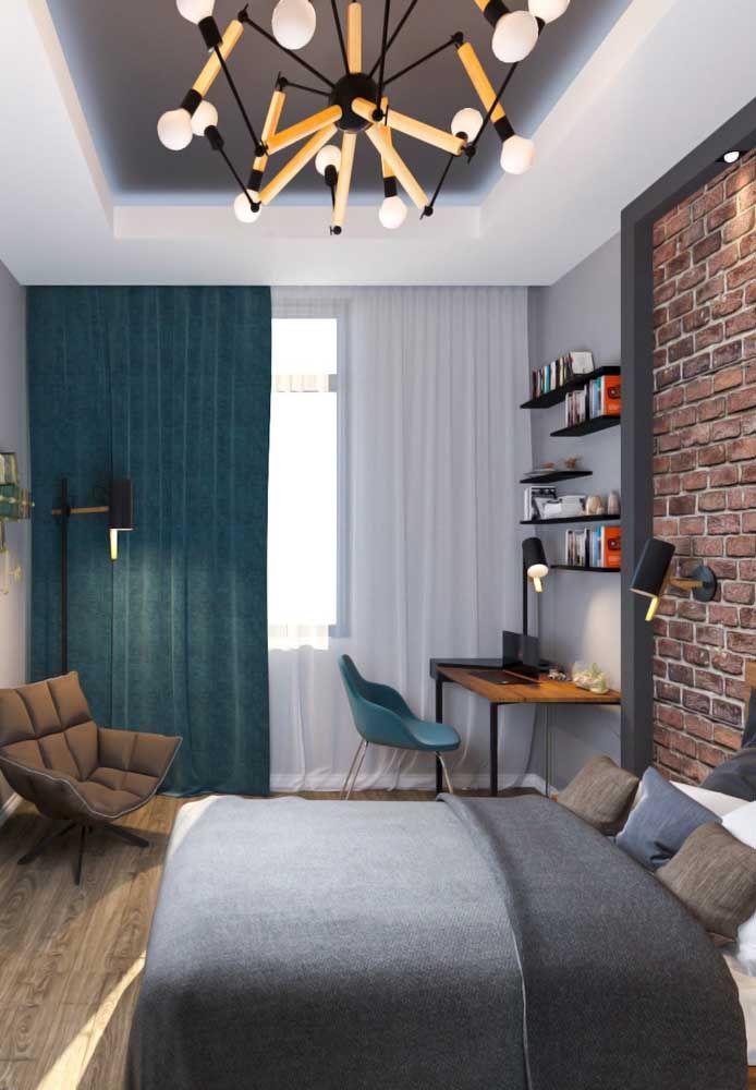 O azul e o cinza fazem uma perfeita combinação na decoração do quarto de adolescente.