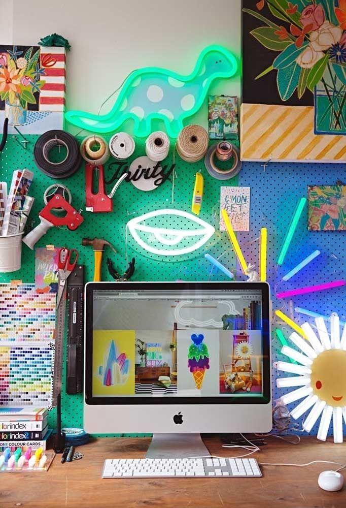Um quarto de adolescente colorido é sempre mais divertido.