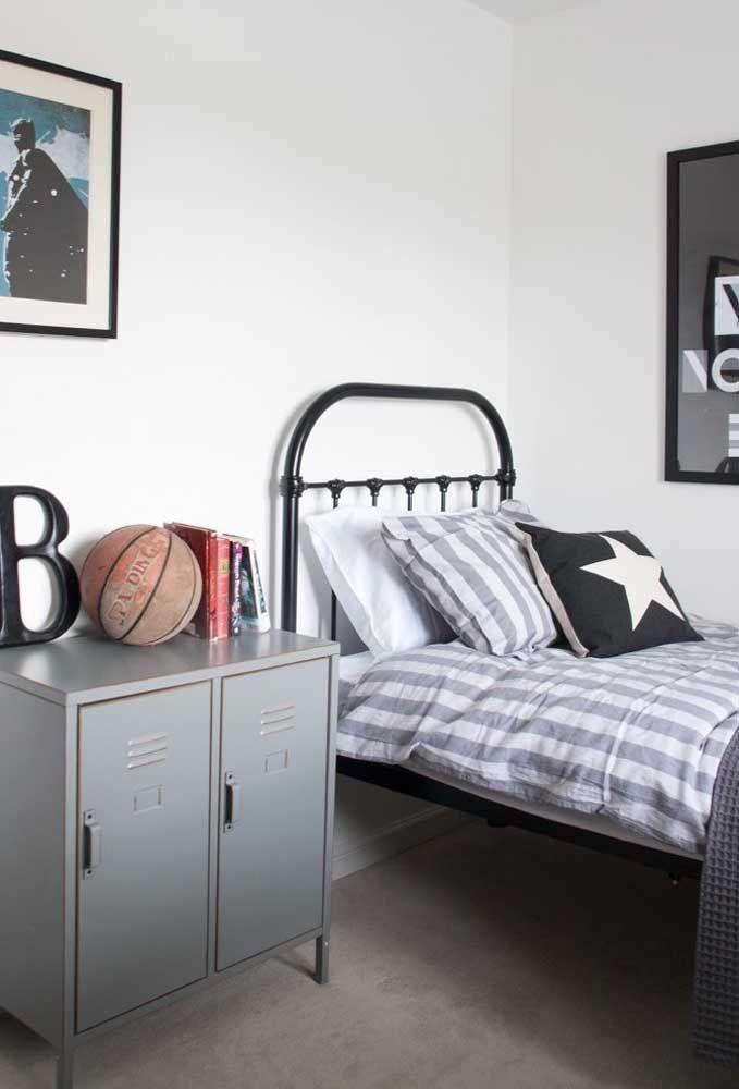 Mas existem adolescentes que preferem ter um quarto mais simples, sem muitos detalhes.