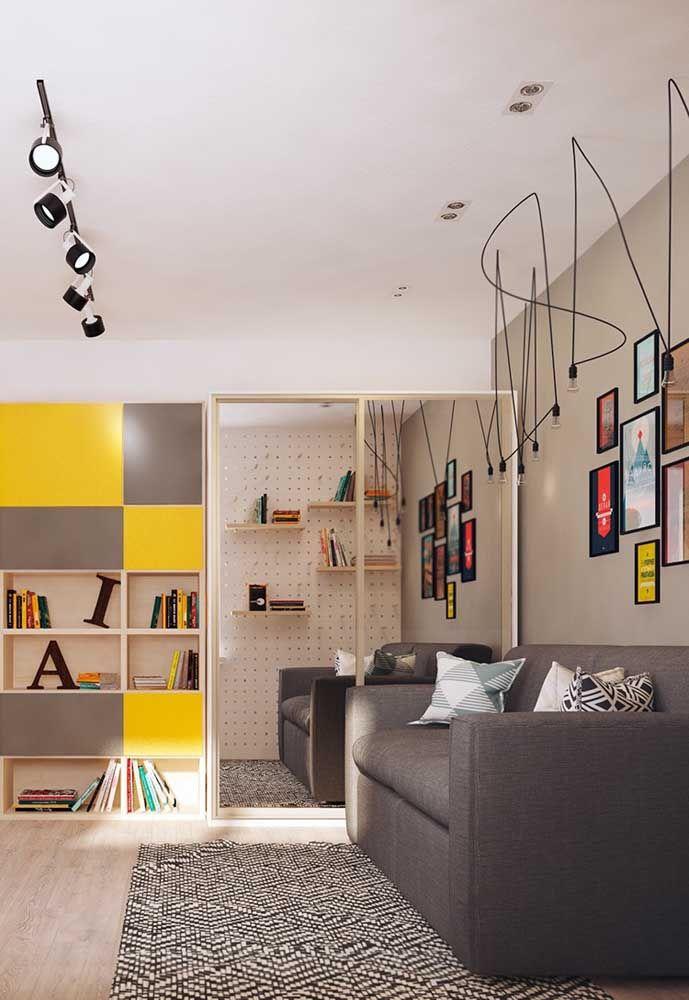 Se no quarto de adolescente tiver espaço, coloque um belo sofá para os amigos sentarem.
