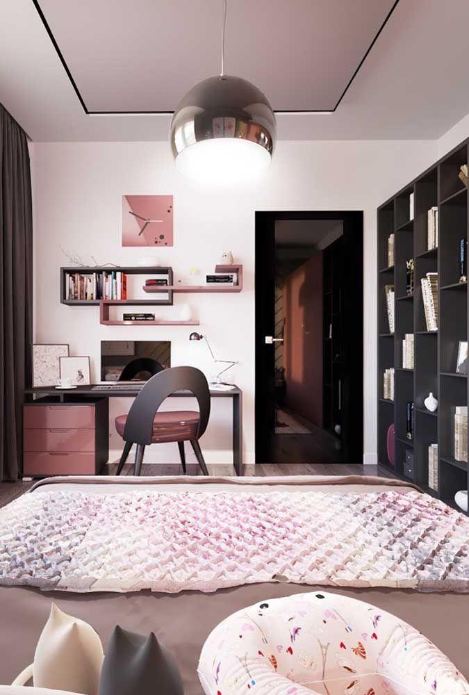 Para ter mais espaço no quarto é necessário saber distribuir bem todos os móveis no ambiente.