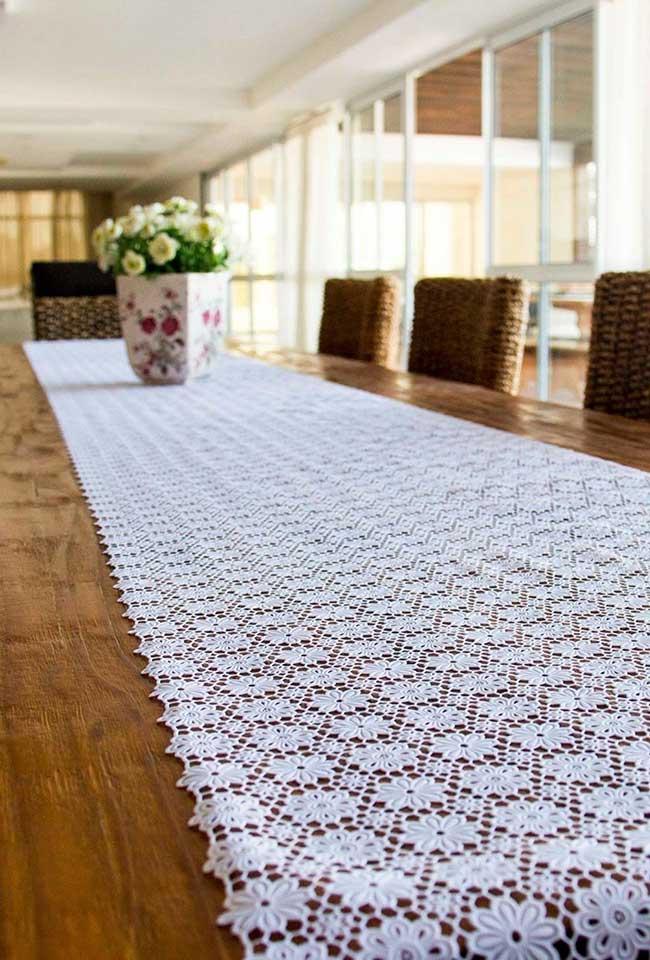 O caminho de mesa também pode fazer parte de mesas grandes