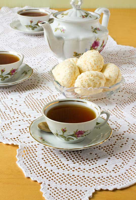 Caminho de mesa para o chá da tarde