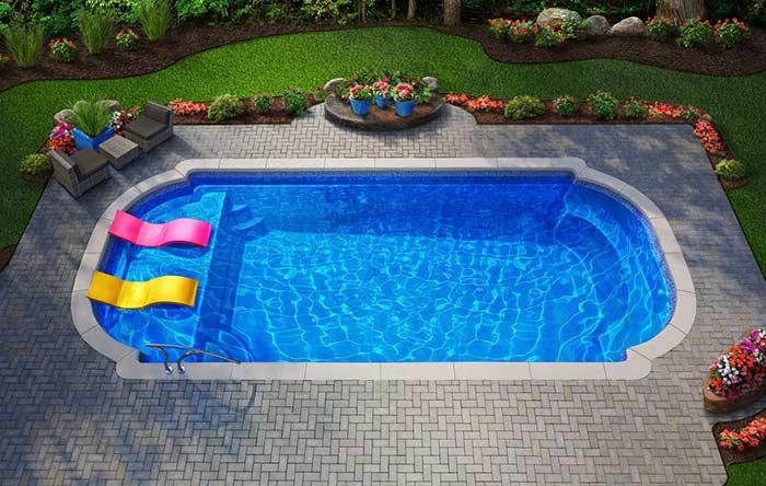 Acessórios básicos de uma piscina