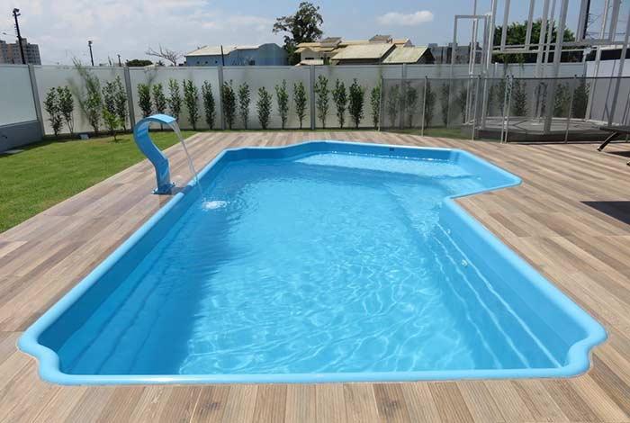Priorize um cantinho para sentar na piscina