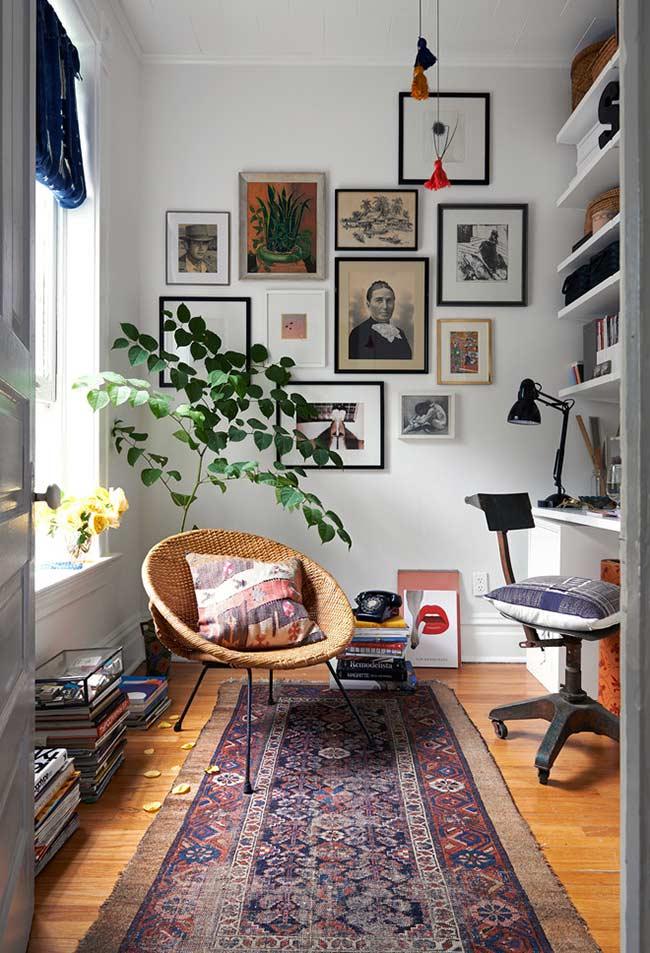 Um cômodo para ler e ser produtivo