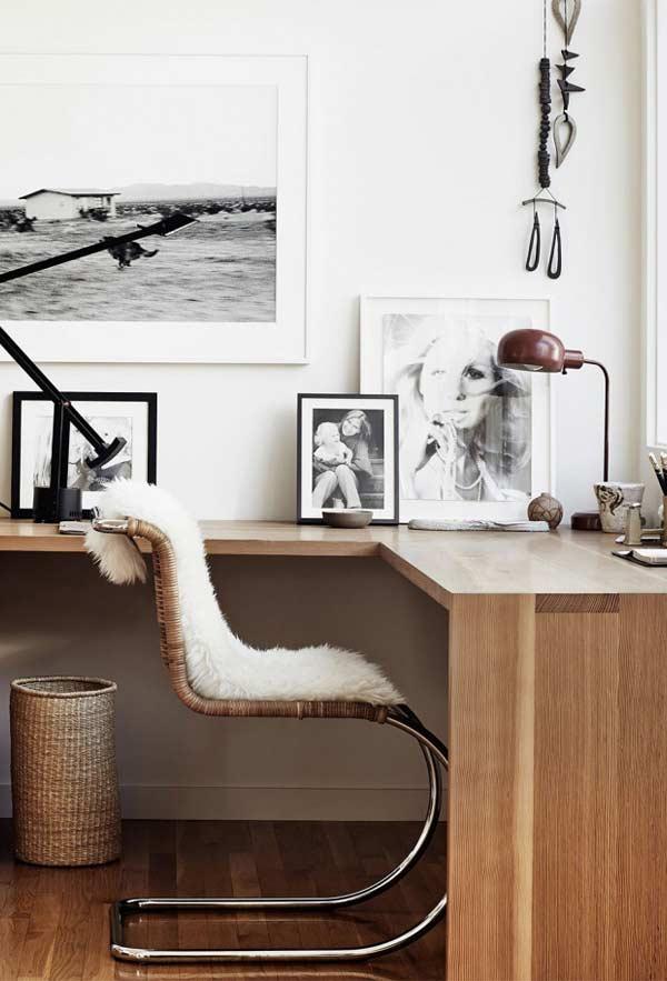 Mesa em L com o fundo livre