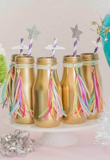 Garrafinhas plásticas com fitas coloridas