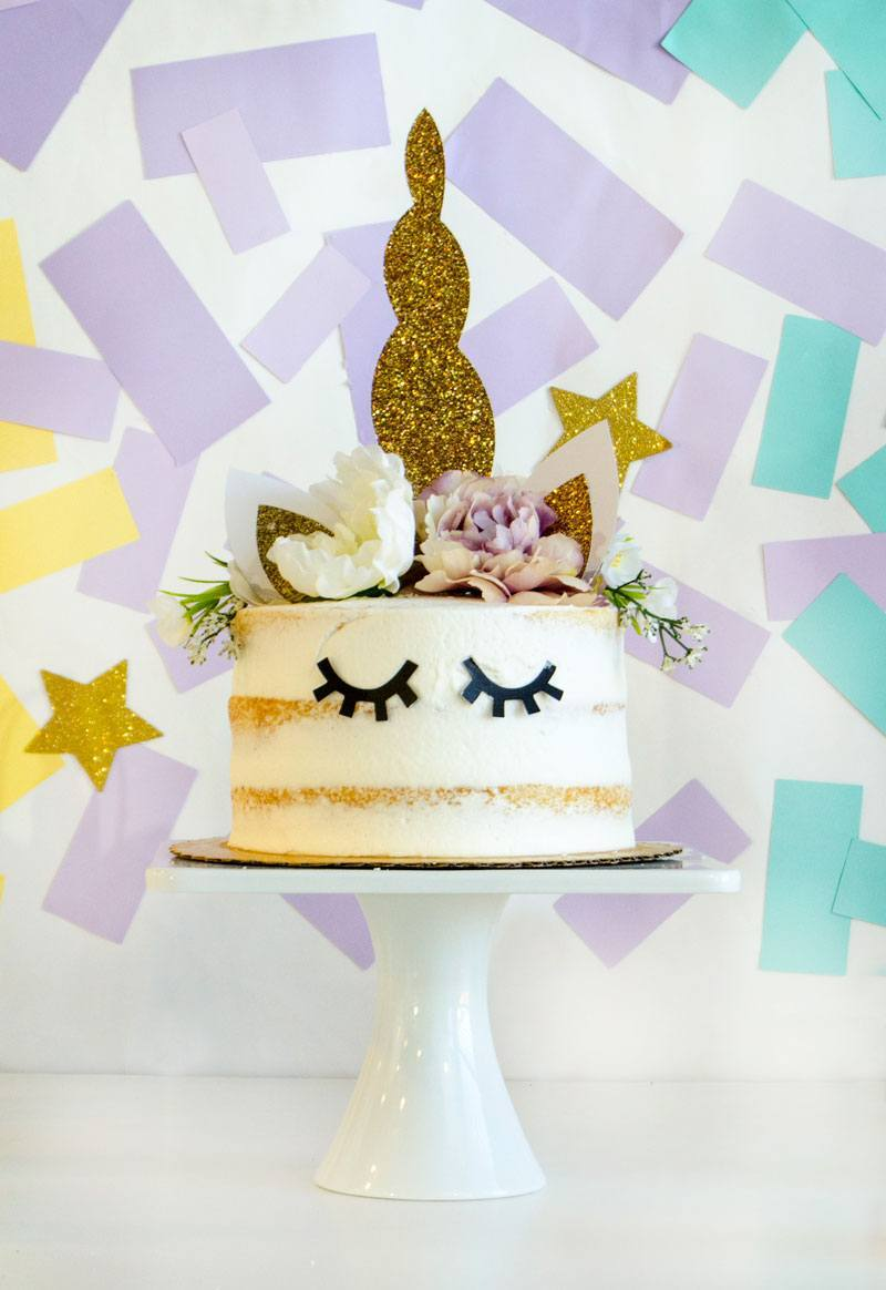 Half naked cake com olhinhos