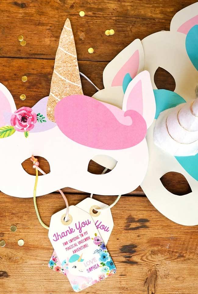 Máscaras de papel para curtir o antes e o depois