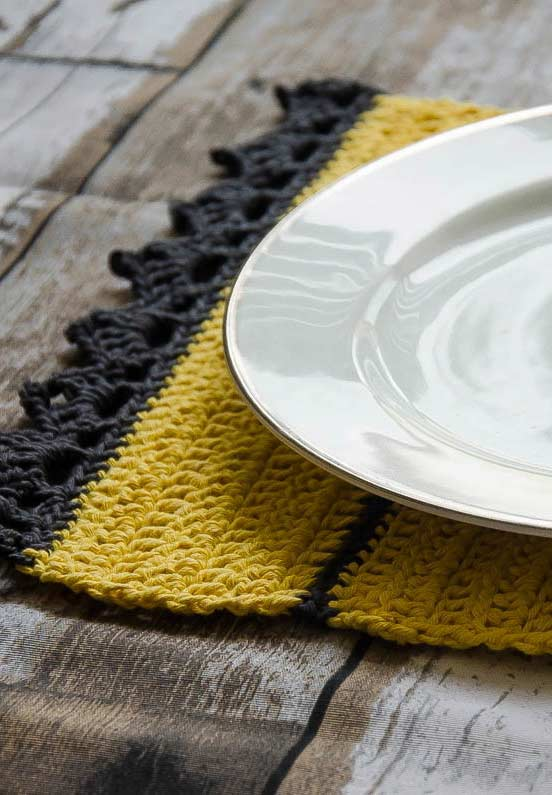 Use uma ou mais cores para ter uma composição diferente no trabalho com o crochê.