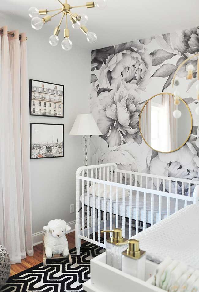 Decoração preto e branco para quarto de bebê pequeno