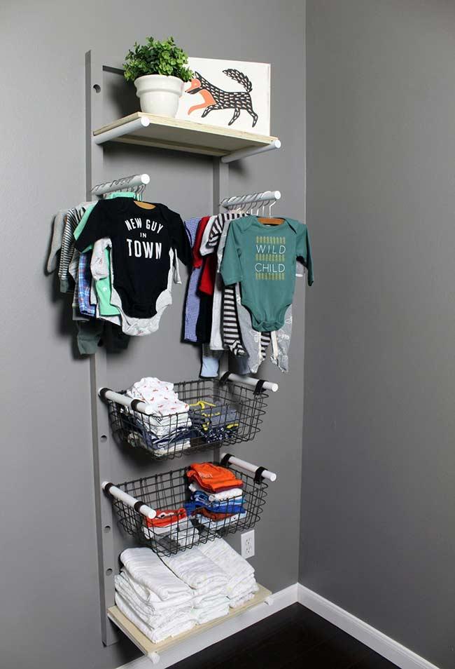 Alternativa de guarda-roupas aberto para bebê