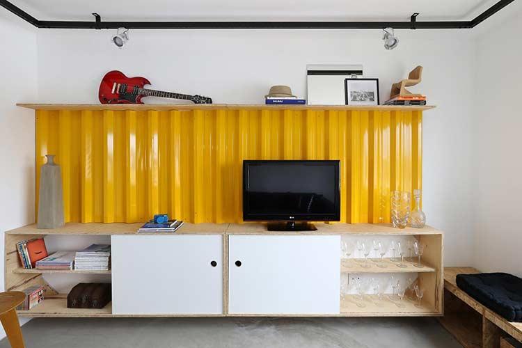 Painel para sala com placa container