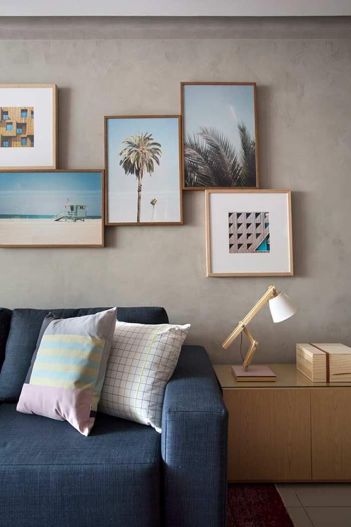 Uma boa composição de quadros com cimento queimado na parede
