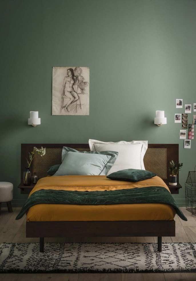 Verde e derivados da terra nesta inspiração de quarto decorado