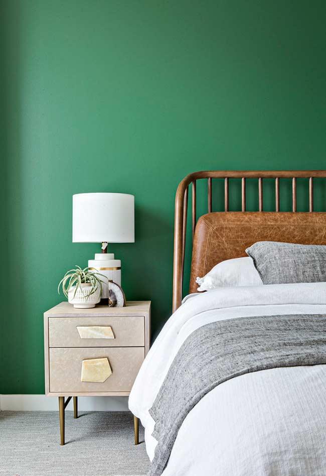 Verde bandeira e madeira em uma combinação clássica