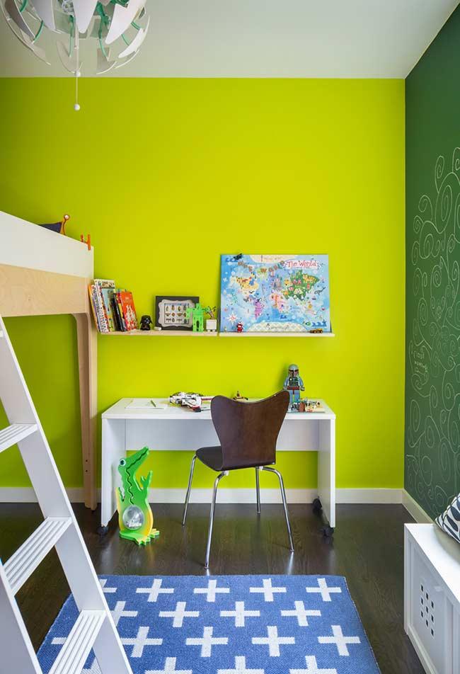Quarto verde bandeira com verde limão
