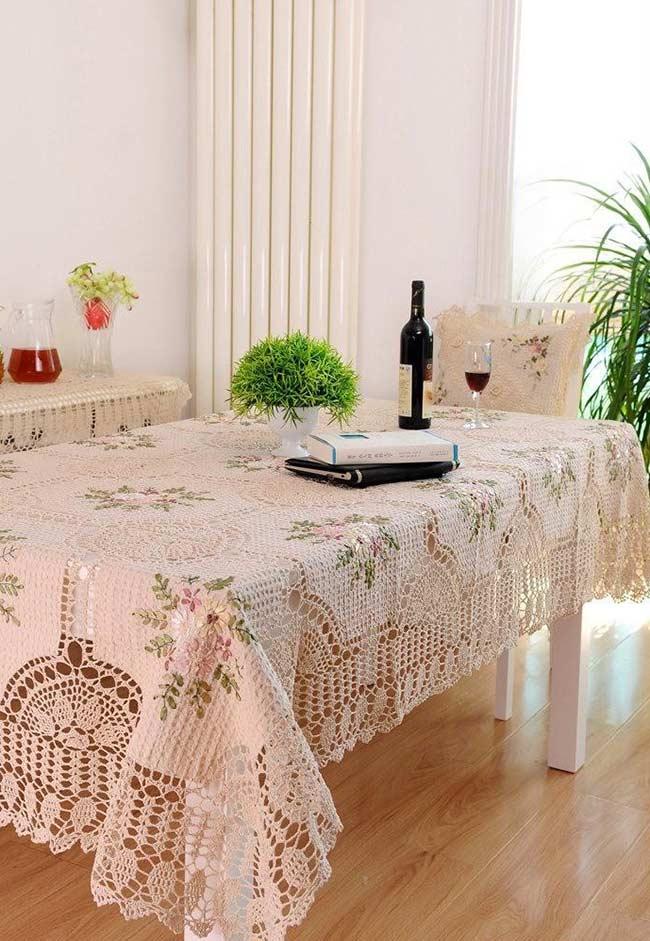 Toalha com detalhes de flores para uma mesa retangular