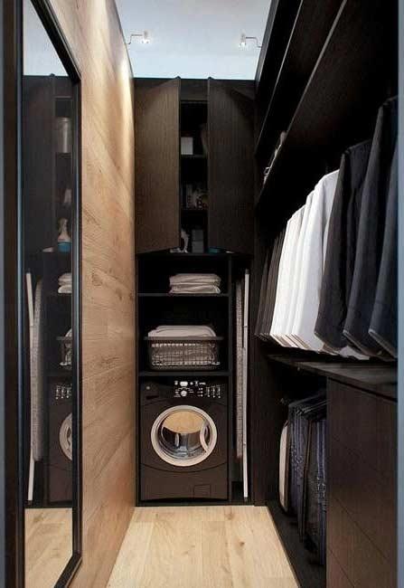 Lavanderia no closet para não precisa levar as roupas