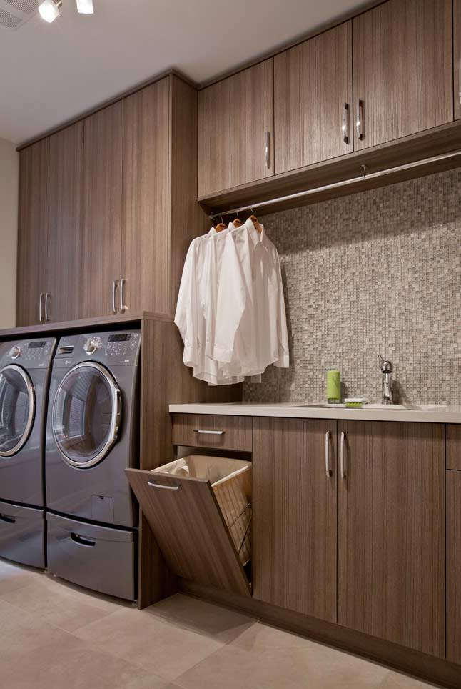 Solução para o cesto de roupas suja no armário