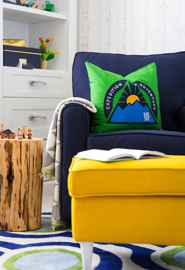 Super confortável e colorido para um quarto de bebê