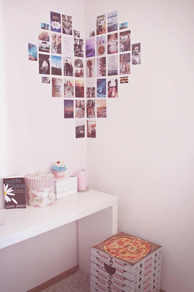 Painel de fotos em canto de parede